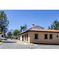 CityMax Antigua vende hermosa casa de esquina en residencial de San Pedro Las Huertas