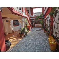 CityMax Antigua renta casa amplia ideal para oficinas o negocio en Antigua